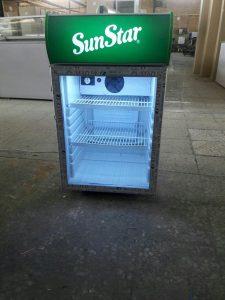 یخچال ویترینی کوچک
