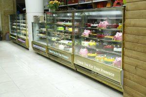 یخچال مکعبی کیک و شیرینی فروشی